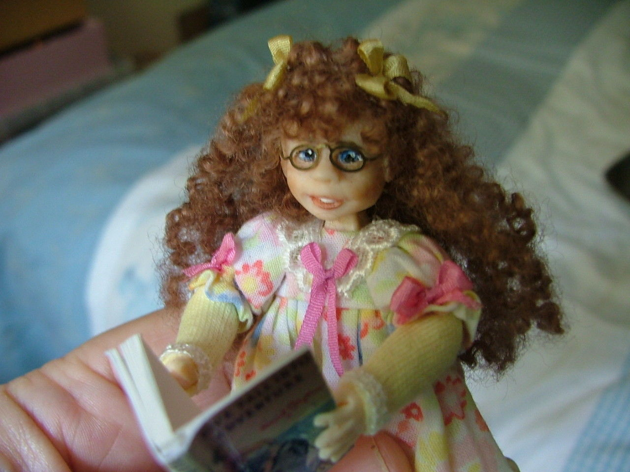 elaine miniature doll2